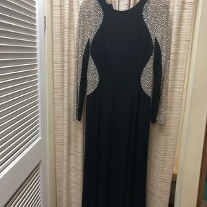 Xscape Dresses - XSCAPE Evening Gown . NWOT